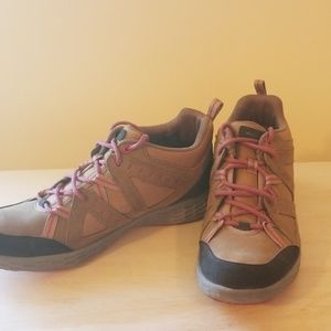 NEW  rockport hiking shoes